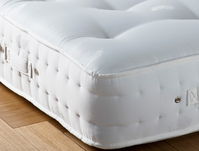 Gallery Naturally Tufted Deluxe 1400 Pocket Mattress